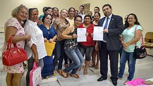 Ação do Sindicato APEOC: Prefeitura de Caridade se compromete a pagar valores atrasados aos professores