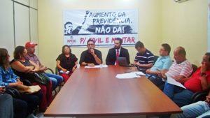 Direção Executiva: Sindicato APEOC recebe dep. Elmano de Freitas para discutir Reforma da Previdência do Estado