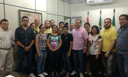 Sindicato APEOC cobra pagamento de salários atrasados de professores de Pacajus