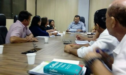 Sindicato APEOC e representantes dos CEJAs têm audiência com Secretário de Educação