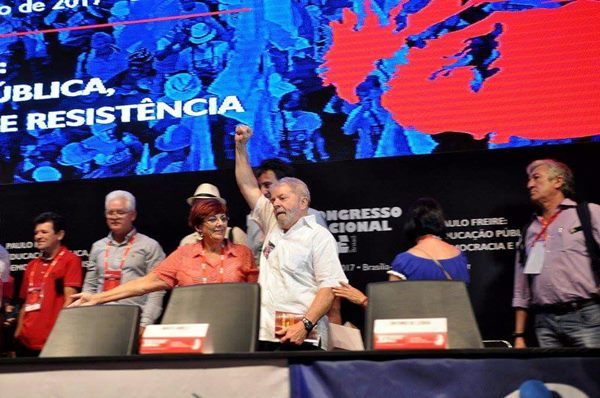 Lula participa da abertura do 33° Congresso Nacional da CNTE