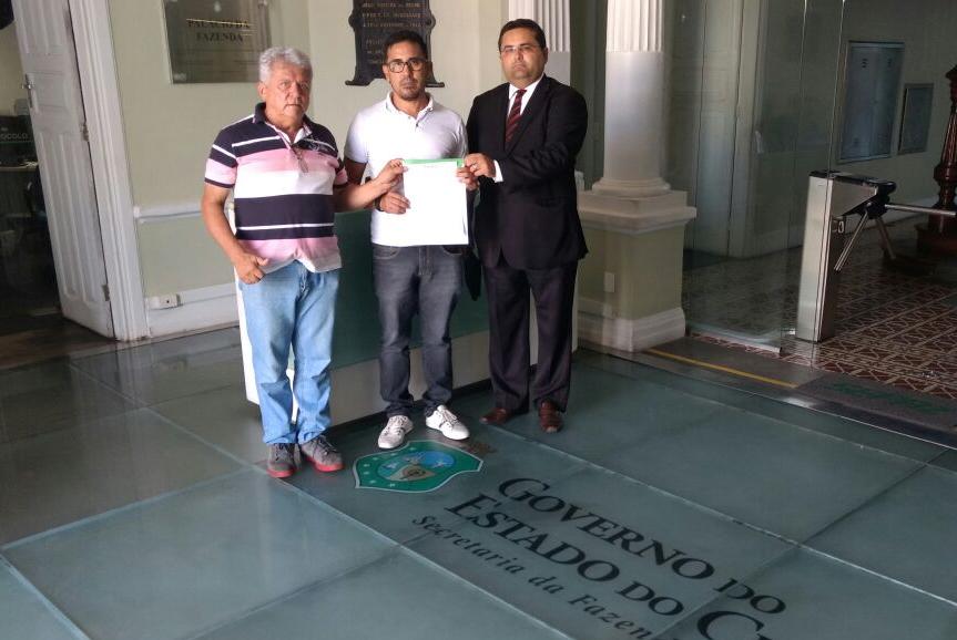 Sindicato APEOC solicita informações sobre pagamento do rateio do Fundeb à Sefaz
