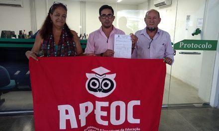 Sindicato APEOC entrega Plano de Lutas e cobra audiência com secretário da Educação e governador