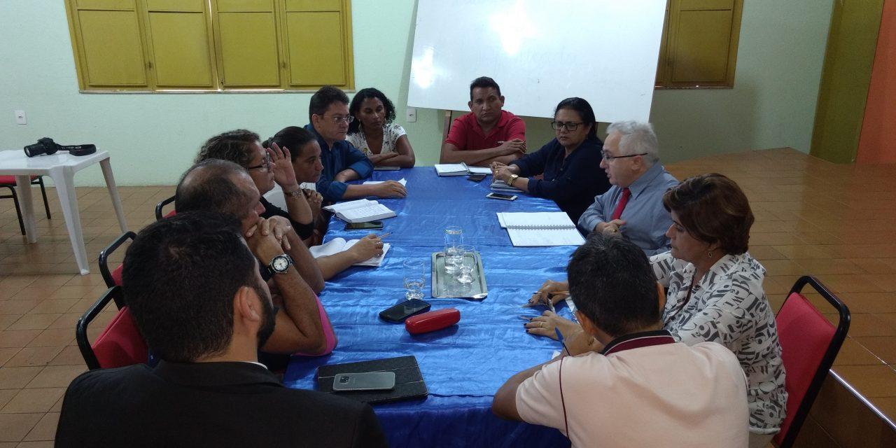 Paracuru: Sindicato APEOC tem audiência com a Prefeitura