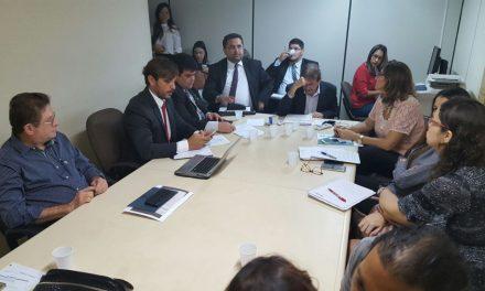 Fortaleza: APEOC cobra convocação de cadastro de reserva em audiência no Ministério Público