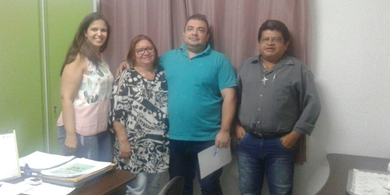 Caucaia: Sindicato APEOC participa de audiência com secretária de Educação