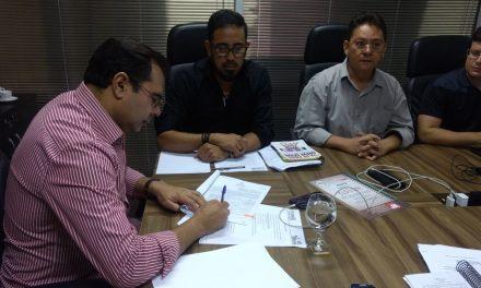 Mesa de Negociação: reajuste diferenciado, gratificação para funcionários, CEJAs, ampliação definitiva, promoção sem titulação e outras pautas