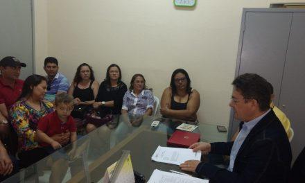 Catarina: Sindicato APEOC realiza assembleia e tira dúvidas de professores