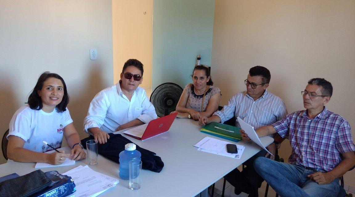 Hidrolândia: Dirigentes do Sindicato APEOC têm encontro com Comissão Municipal