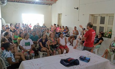 Paracuru: Comissão Municipal realiza assembleia com professores