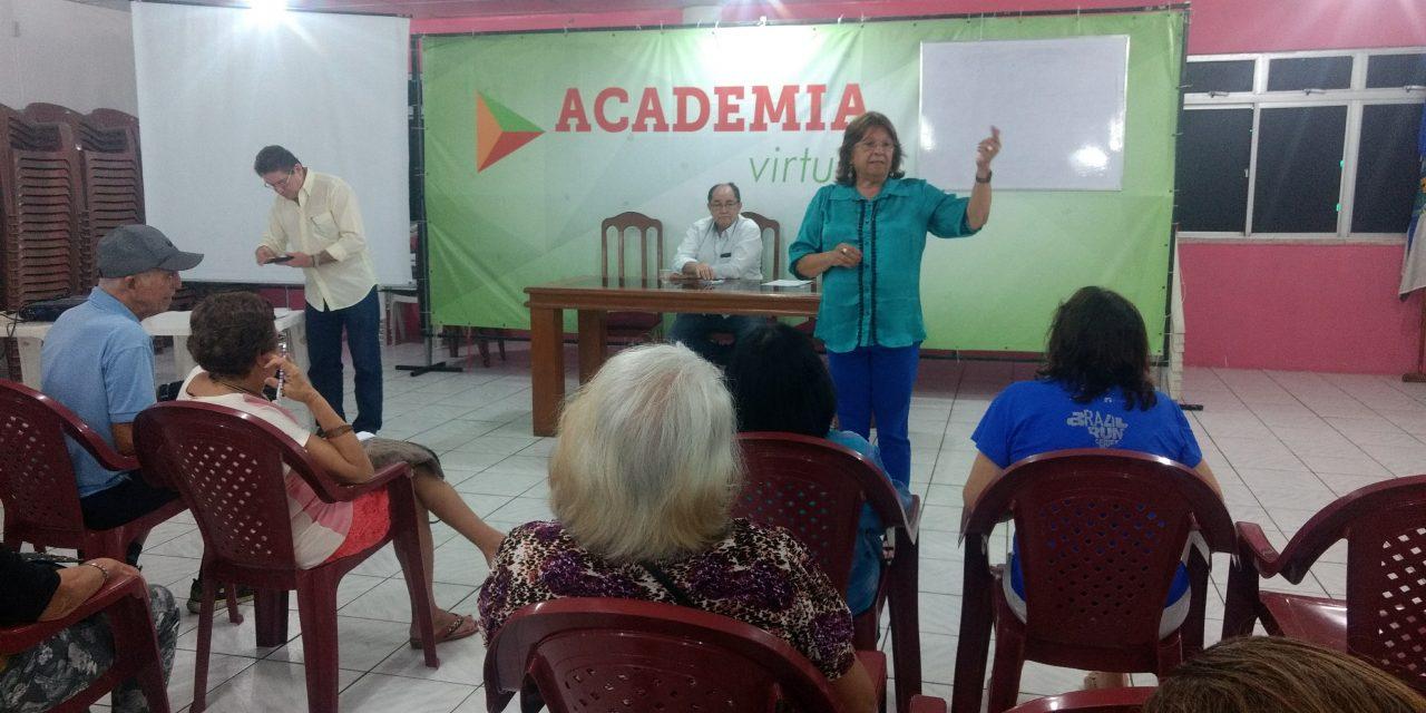 Sindicato APEOC promove seminário com aposentados de Fortaleza