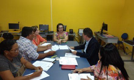 Boa Viagem: Sindicato APEOC tem audiência com secretária de Educação