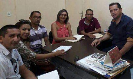 Pedra Branca: Sindicato APEOC tem reunião com secretário de Educação