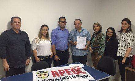 São Gonçalo: assinada lei de adequação salarial dos professores do Básico I