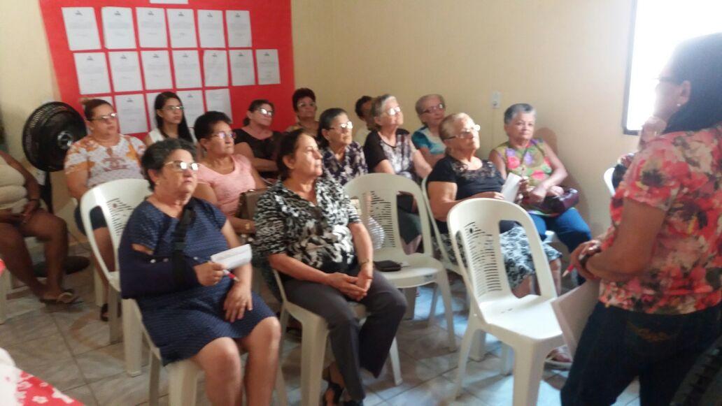Solonópole: Penha Alencar se reúne com aposentados