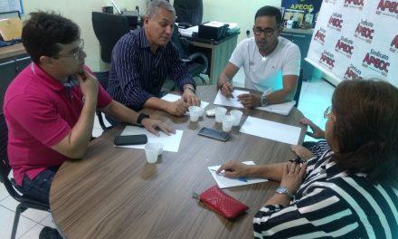 Presidente da CNTE visita Sindicato APEOC