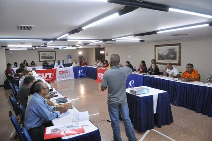 APEOC defende Novo Fundeb em reunião dos Coletivos da CNTE