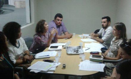 'Escola sem Censura': Sindicato APEOC participa de debate na Câmara de Fortaleza