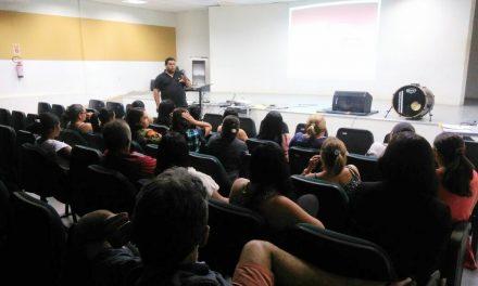 Parambu: Comissão Municipal define pautas de luta com professores