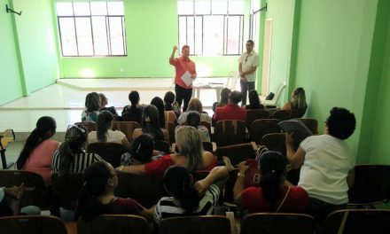 Pedra Branca: Sindicato APEOC realiza assembleia com profissionais da Educação