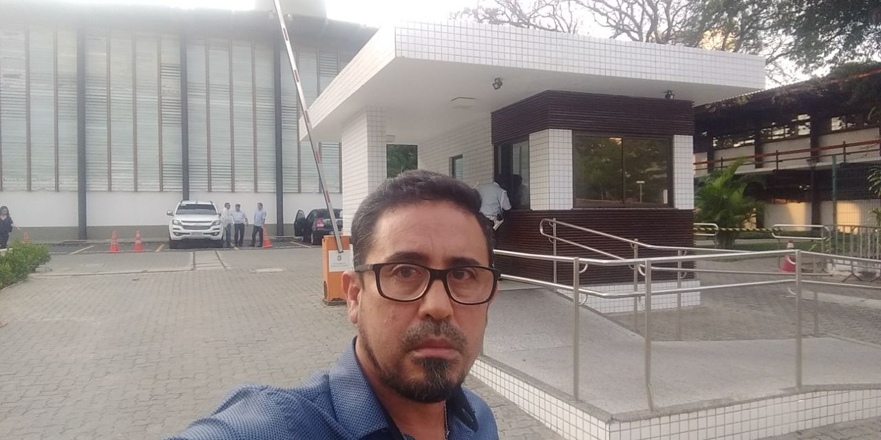 Blog do Eliomar: Sindicato Apeoc espera ser recebido por Camilo Santana, nesta sexta-feira