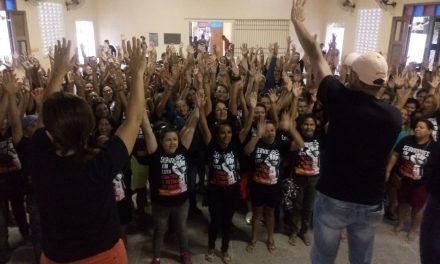 Paracuru: Em assembleia, professores decidem manter greve