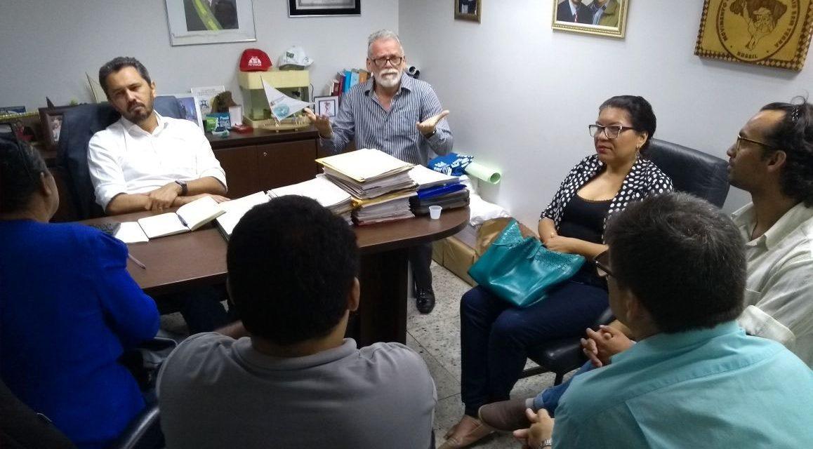 Coletivo de Educação Inclusiva se reúne com deputado Elmano de Freitas