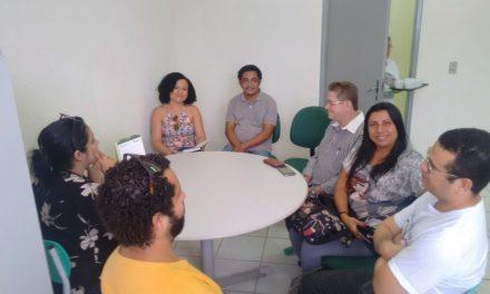 Pacatuba: Sindicato APEOC encaminha pautas com secretária de Educação
