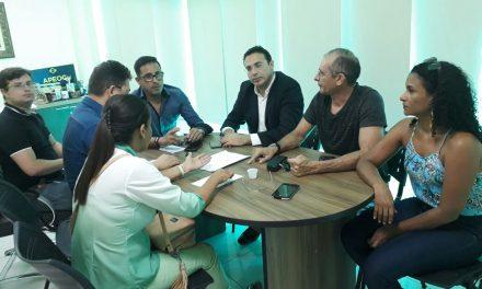 Paracuru: Anizio Melo discute precatório do Fundef com Comissão Municipal