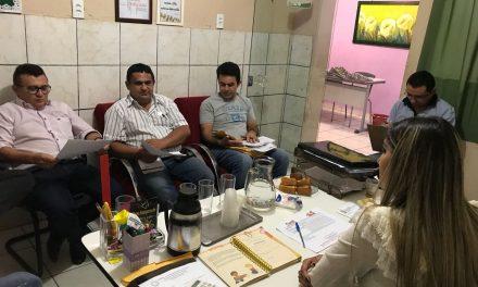 Parambu: Sindicato APEOC tem audiência com secretária da Educação e discute pautas de interesse da categoria