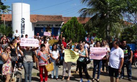 Tauá: Professores mobilizados contra atraso de pagamento de salário