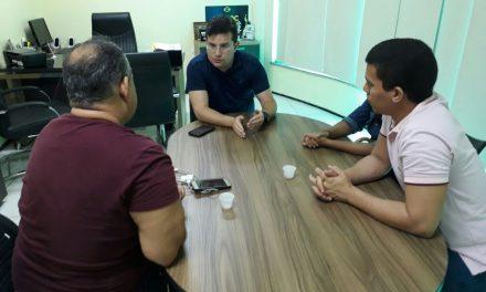 Ampliação Definitiva: Diretoria da APEOC recebe professores