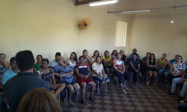 Jaguaruana: Sindicato APEOC mobiliza categoria contra atraso de salário