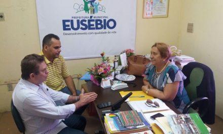 Eusébio: Sindicato APEOC cobra convocação de professores