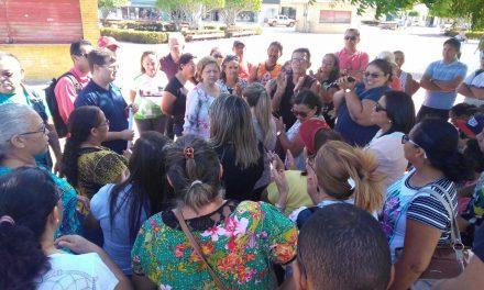 Jaguaruana: Professores fazem ato e exigem negociação com Prefeito