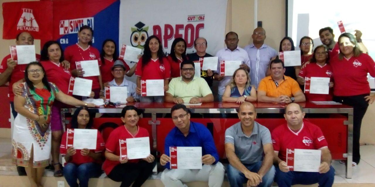 Sindicato APEOC participa de Curso de Formadores da CUT