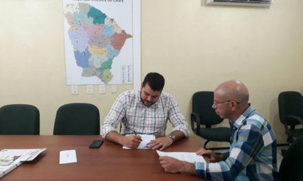 Fortim: Dirigente municipal tem encontro do advogado do Sindicato