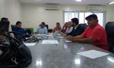 Morada Nova: Sindicato APEOC participa de Mesa de Negociação com prefeito