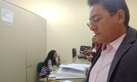 Paracuru: Sindicato APEOC cobra pagamento de gratificação de pós-graduados