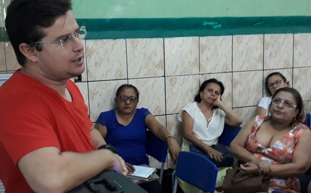 Morada Nova: Sindicato APEOC discute Novo Issec com profissionais da Educação