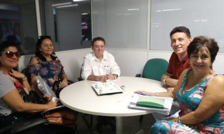 Horizonte: APEOC participa de audiência com secretário de Educação