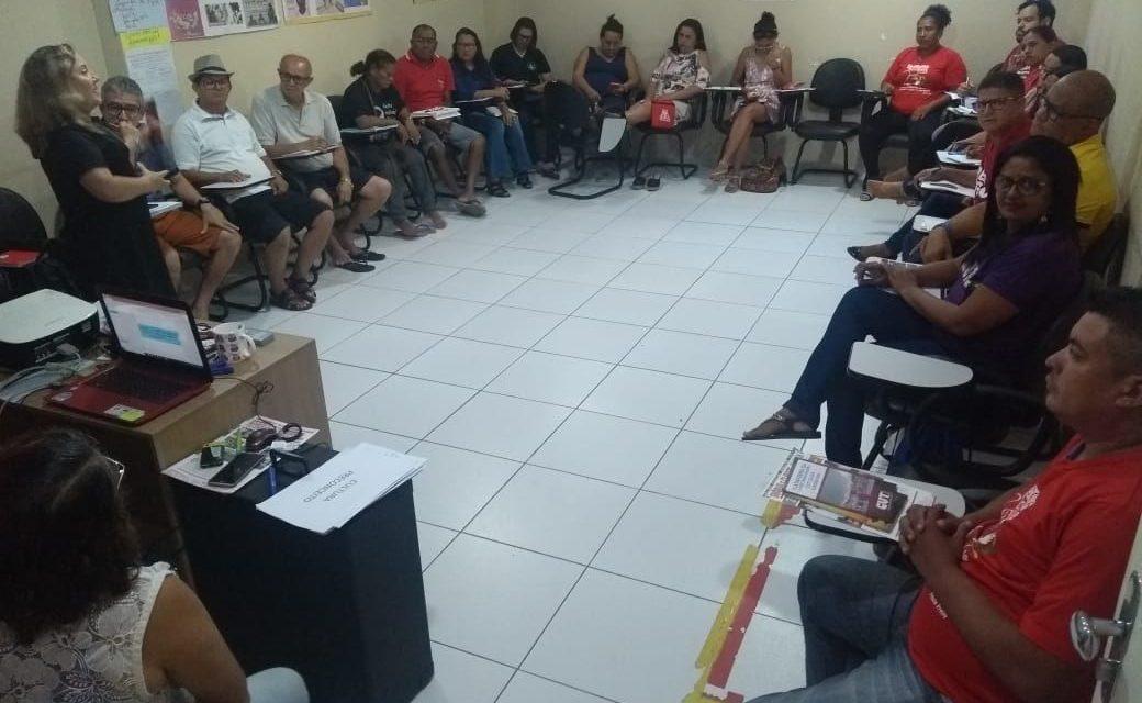 Sindicato APEOC participa de capacitação na Escola Sindical da CUT