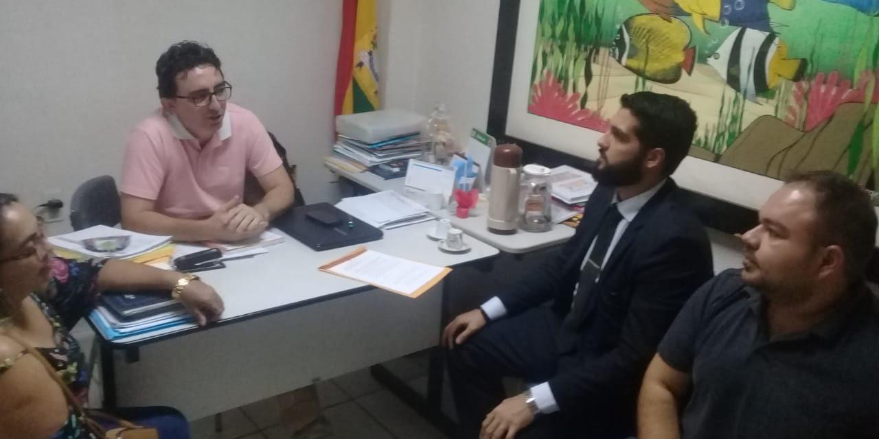 Pacajus: Sindicato APEOC se reúne com secretário de Educação