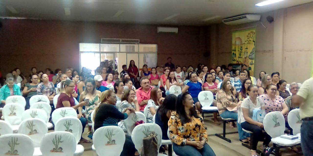 Tauá: Assembleia debate reajuste salarial da Rede Municipal