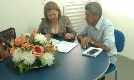 Jaguaruana: Atecnias na folha de pagamento dos professores são discutidas em reunião