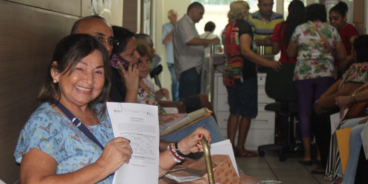 NOVO ISSEC: Procura por adesão na sede da APEOC aumenta na véspera de feriado