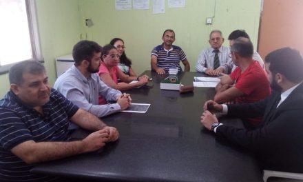 Paracuru: APEOC se reúne com prefeito e Procuradoria do Município