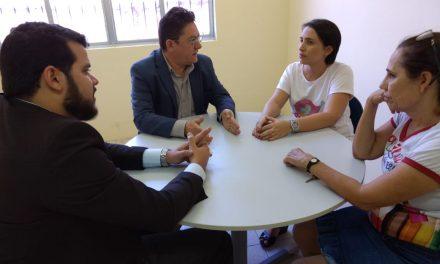 Hidrolândia: Sindicato APEOC discute recursos do FUNDEB e folha de pagamento de professores