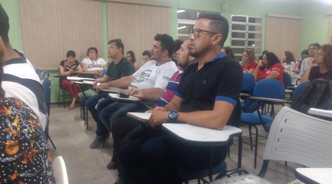 Sindicato APEOC participa de reunião sobre a defesa do Serviço Público