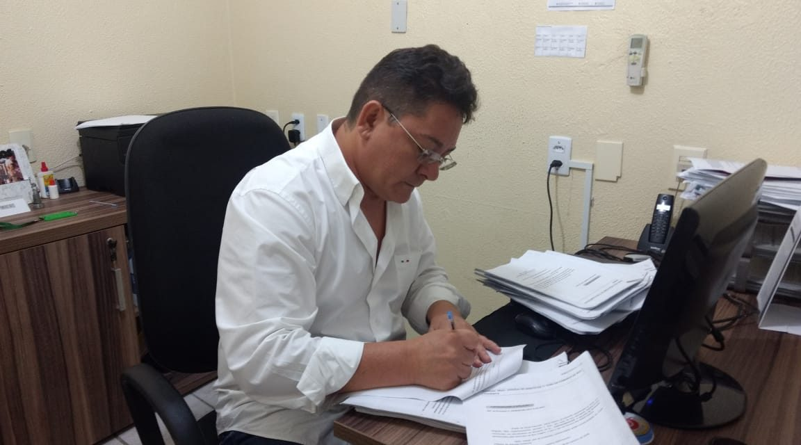 Boa Viagem: APEOC assina petição contra ação da Prefeitura referente a Ampliação Definitiva de carga horária
